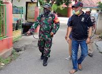 Syamsuddin, Anggota DPRD dari PAN Danai Aksi Penyemprotan Disinfektan di Asakota