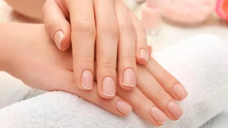 The perfect remedy for split and broken nails in women - the art of manicure