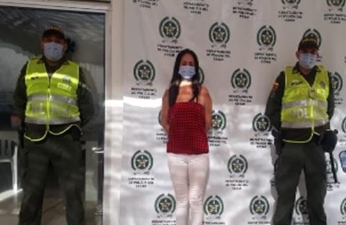 hoyennoticia.com, Capturada mujer con COVID-19 transitando por las calles