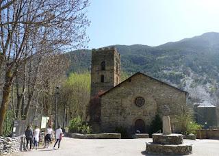 Iglesia Románica de Santa María de Cardòs.