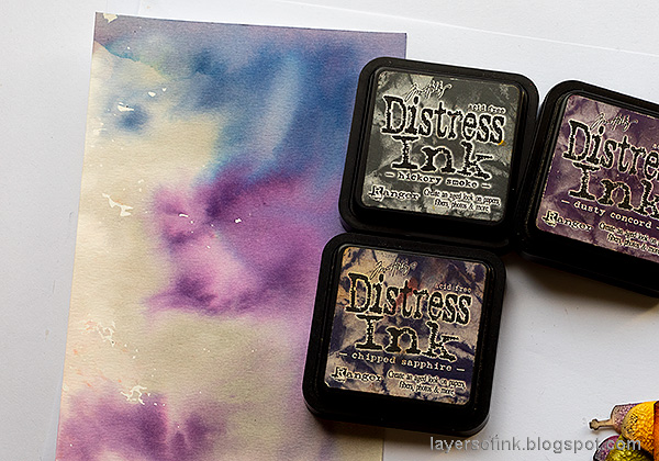 Layers of ink - Halloween Window Tutorial by Anna-Karin Evaldsson. Color with Distress Ink.