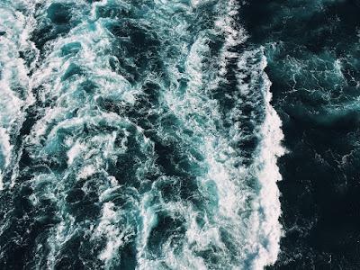 """Mengenal Ombak Boleran """"Rip Current"""", Arus Tenang di Pantai yang Mematikan"""
