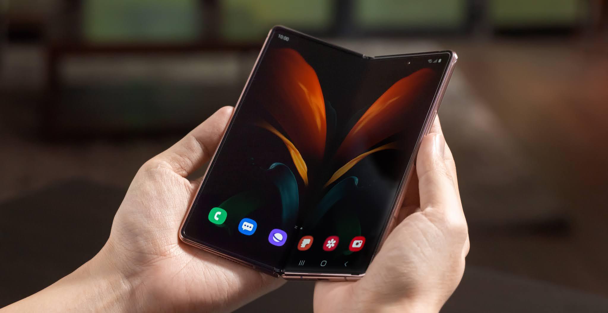 Samsung выпустила более крупный Galaxy Z Fold 2