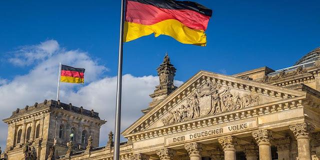 Βερολίνο: Ουδέν σχόλιο για τον πλωτό φράχτη