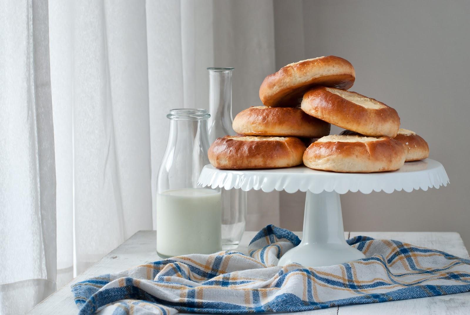 Klasyczne bułeczki z serem