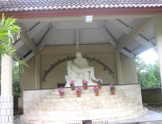 Pieta di Kompleks Peziarahan Salib Suci Gunung Sempu Tamantirto Kasihan Bantul ©JelajahSuwanto