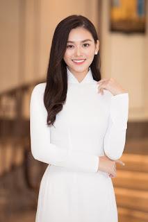 Tiểu Vy, Đỗ Mỹ Linh rạng rỡ tại họp báo Hoa hậu Việt Nam 2020