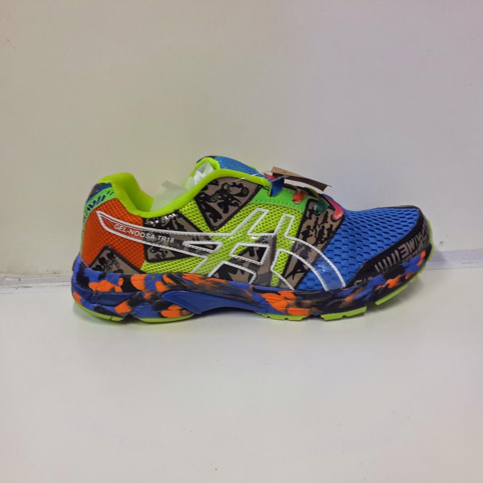 Shoes Shop Center  Sepatu Sport Asics Gel-Noosa TRI 18 Terbaru 682a61f263