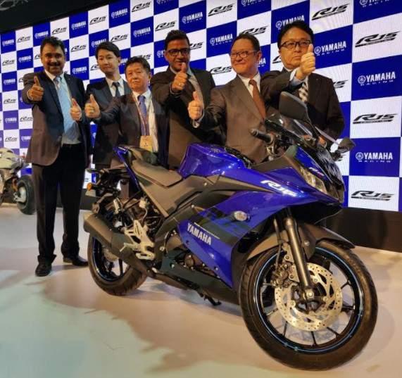 Yamaha_R15_India_2018