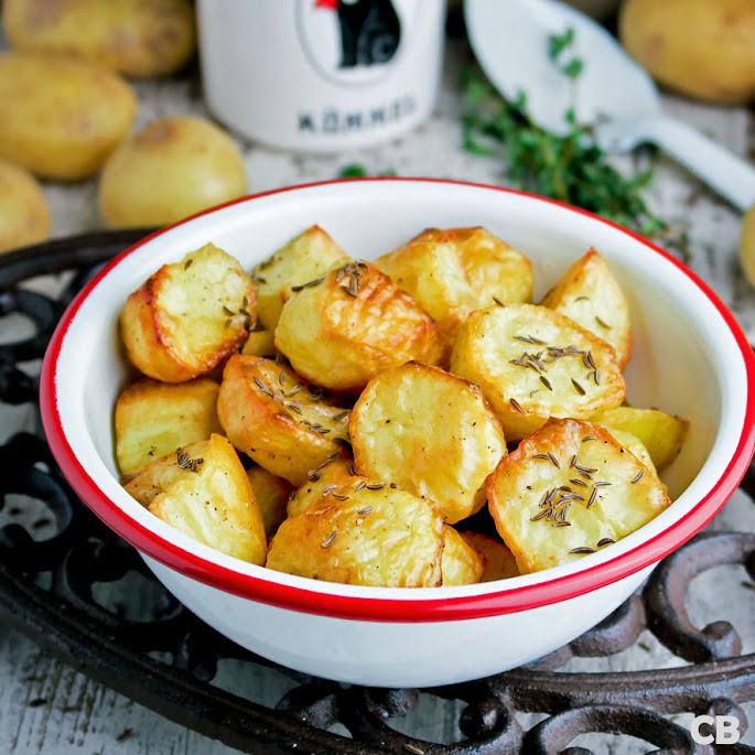 In de oven geroosterde aardappeltjes met kummel