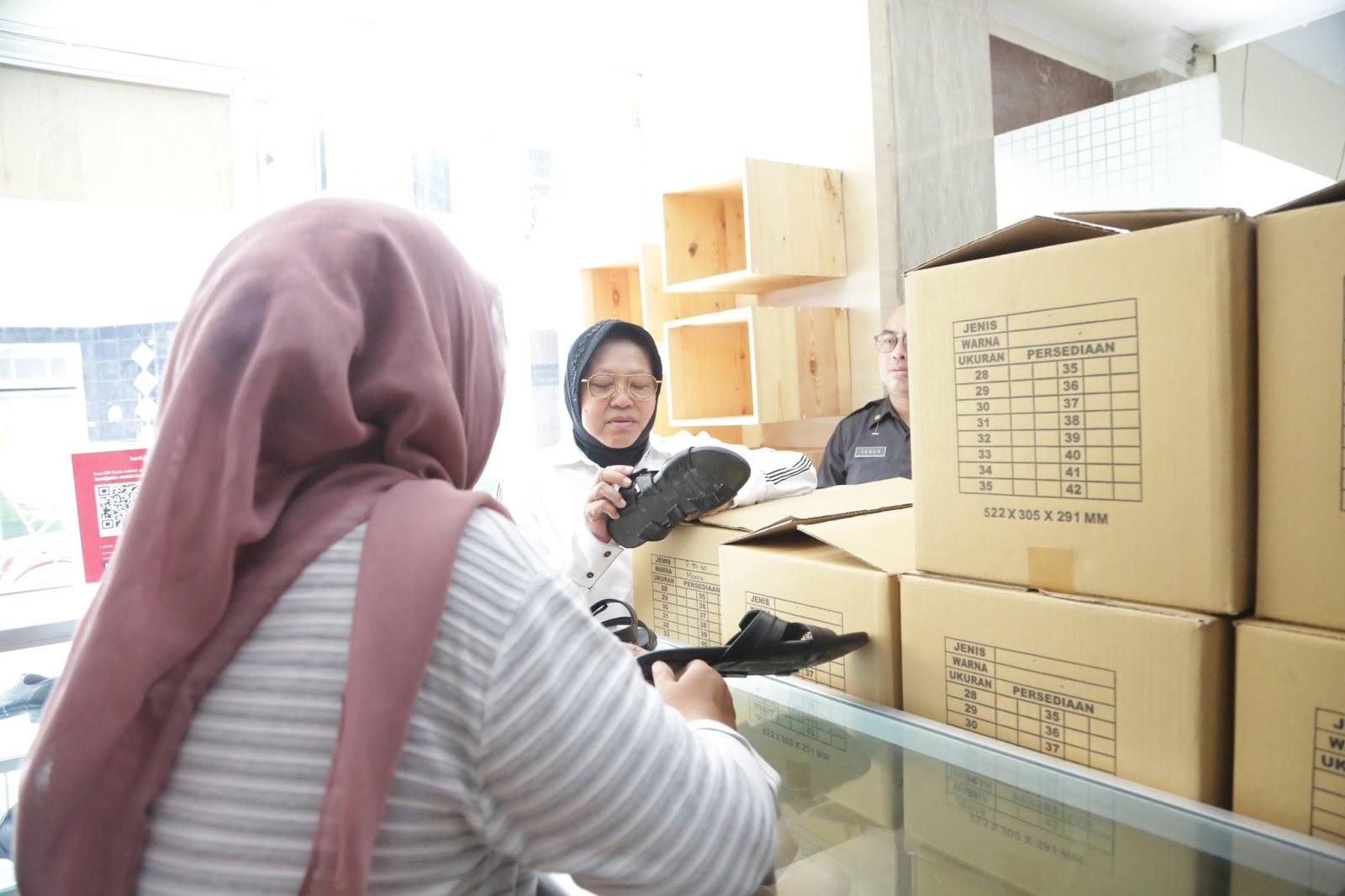 Surabaya Banjir, Risma Kabur ke Jakarta
