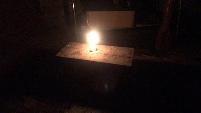 Kisah Warga Mestong-Muaro Jambi Buka Puasa Hari Pertama Ramadhan Hanya dengan Cahaya Lilin