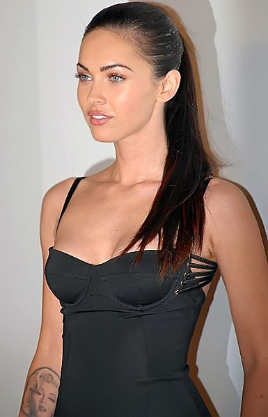 Megan Fox Biography, relation ship, age, Hight, education, career, awards, net worth, rumours and More