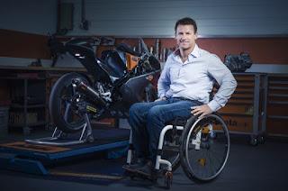 Bikin Penasaran, Ini Penyebab Bos KTM Pakai Kursi Roda