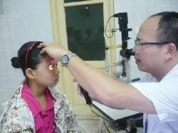Cách dùng thuốc khi đau mắt đỏ