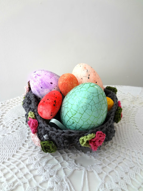 Little Treasures Easter Crochet Basket Free Pattern