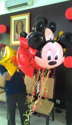 menerima balon - jual balon boneka