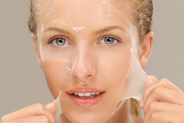 Peel da là phiên bản mạnh hơn của tẩy da chết hóa học, làm bong tróc lớp da cũ và thay thế bằng các tế bào mới