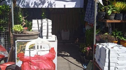 Terinspirasi oleh Puan Maharani, Relawan Buat Dapur Umum dan Berikan 6.000 Nasi Box untuk Masyarakat Kurang Mampu