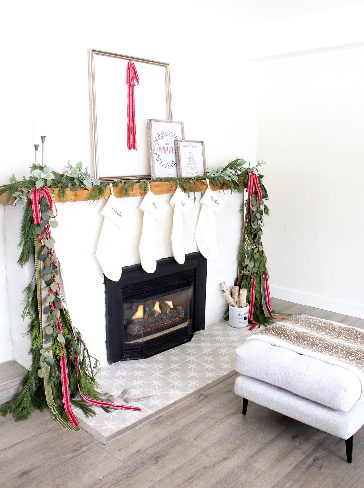 Modern-Holiday-Mantel-ideas-harlow-and-thistle-2