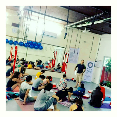 formación yoga aéreo, yoga aéreo, yoga aéreo argentina, qué es yoga aéreo?, cursos yoga aéreo, clases yoga aéreo, formación aeroyoga, clases aeroyoga, seminarios, formación profesional,