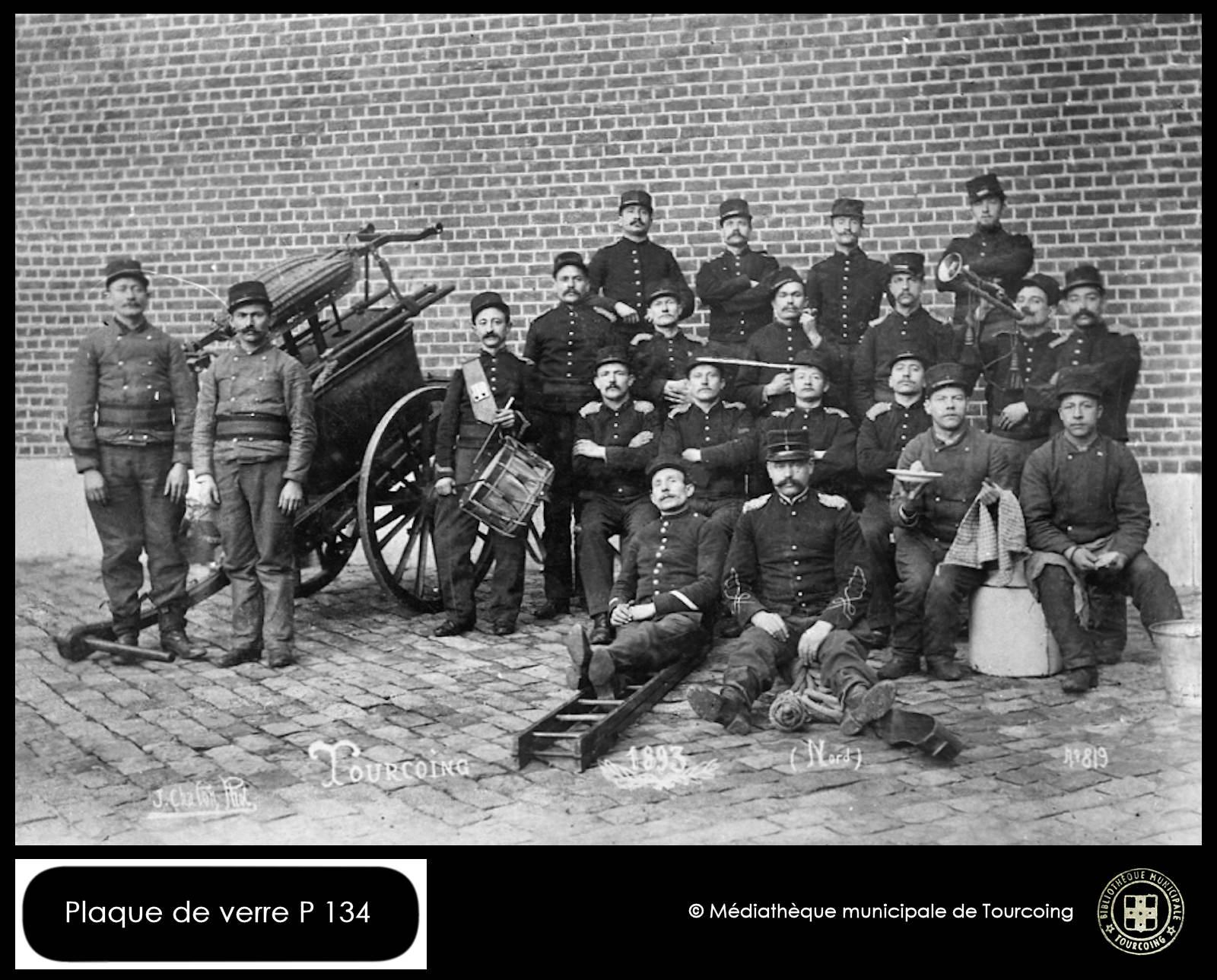 Pompiers Tourcoing 1893 - Plaque en verre, Chalon Photographe.