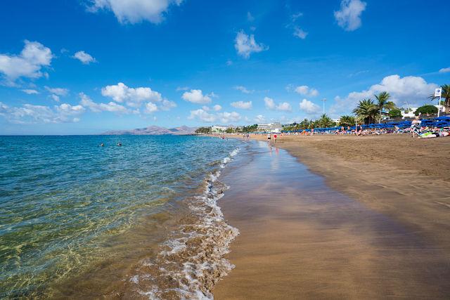 Guía_playas_bandera_azul_Lanzarote_Playa_Grande_01