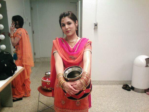 Inti Owner aunty Kuthuru tho