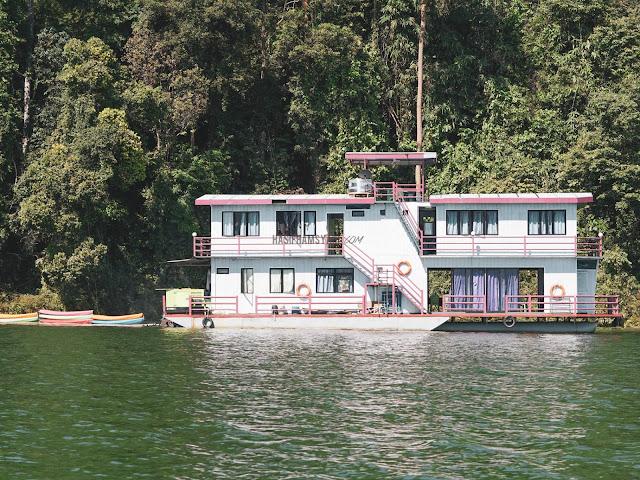 Arus Belum Houseboat