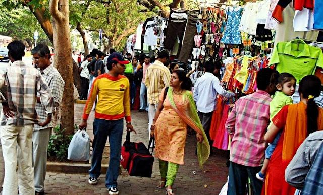 Wisata Belanja di Fashion Street Market Mumbai India