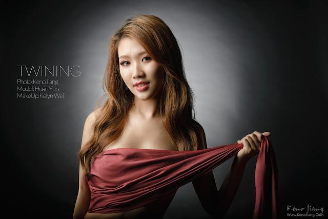 [影像創作] | 寫真 | 攝影棚拍 | 性感 |光與影 |@Huan Yun