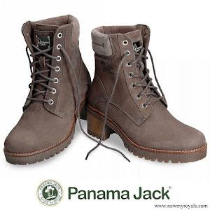 Queen Letizia wore Panama Jack boots