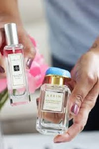 Mothers-Day-Perfumes-Images