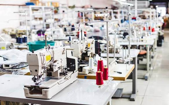 تشغيل 30 عامل و عاملة على آلات خياطة