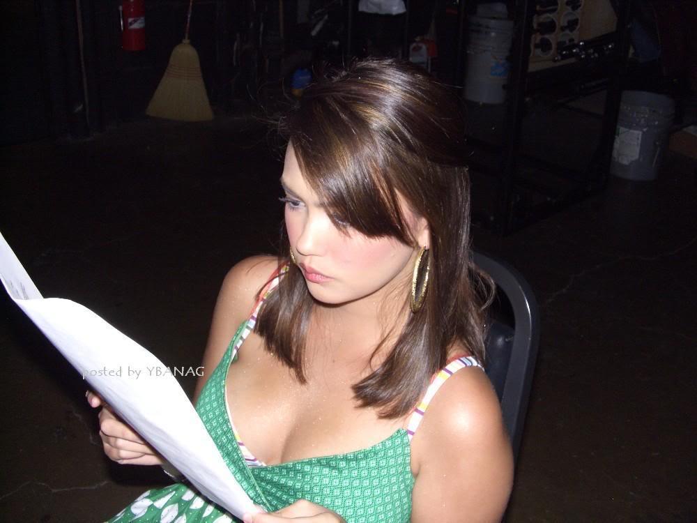 Kanomatakeisuke Angelica Panganiban  Sexy Boob Cleavage Pics-6123