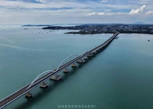 Jembatan satu pulau dompak