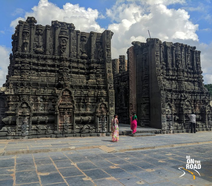 Admiring the sculptures and carvings on the gopuram of Bugga Ramalingeswara Swamy Temple, Tadipatri