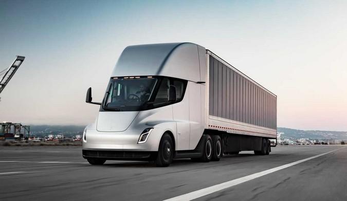 Atrasos no fornecimento de células de bateria afetam produção do Tesla Semi