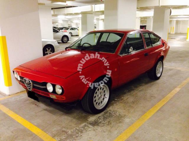 MotoringMalaysia Spotted For Sale Alfa Romeo Alfetta GTV - Alfa romeo for sale