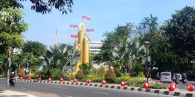 Ikon+Kota+Surabaya+patung+monumennya
