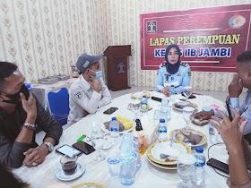 Silahturahmi Dengan Awak Media, Kalapas kelas IIB Jambi Gelar Makan siang Bersama