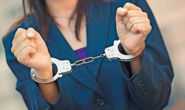 Πρέβεζα: Συνελήφθη 49χρονη - Εκκρεμούσε καταδικαστική απόφαση για απρόκλητες σωματικές βλάβες