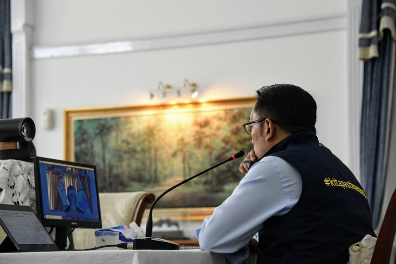 Gubernur Ridwan Kamil Sambut Bantuan Alat PCR Kedutaan Amerika Serikat
