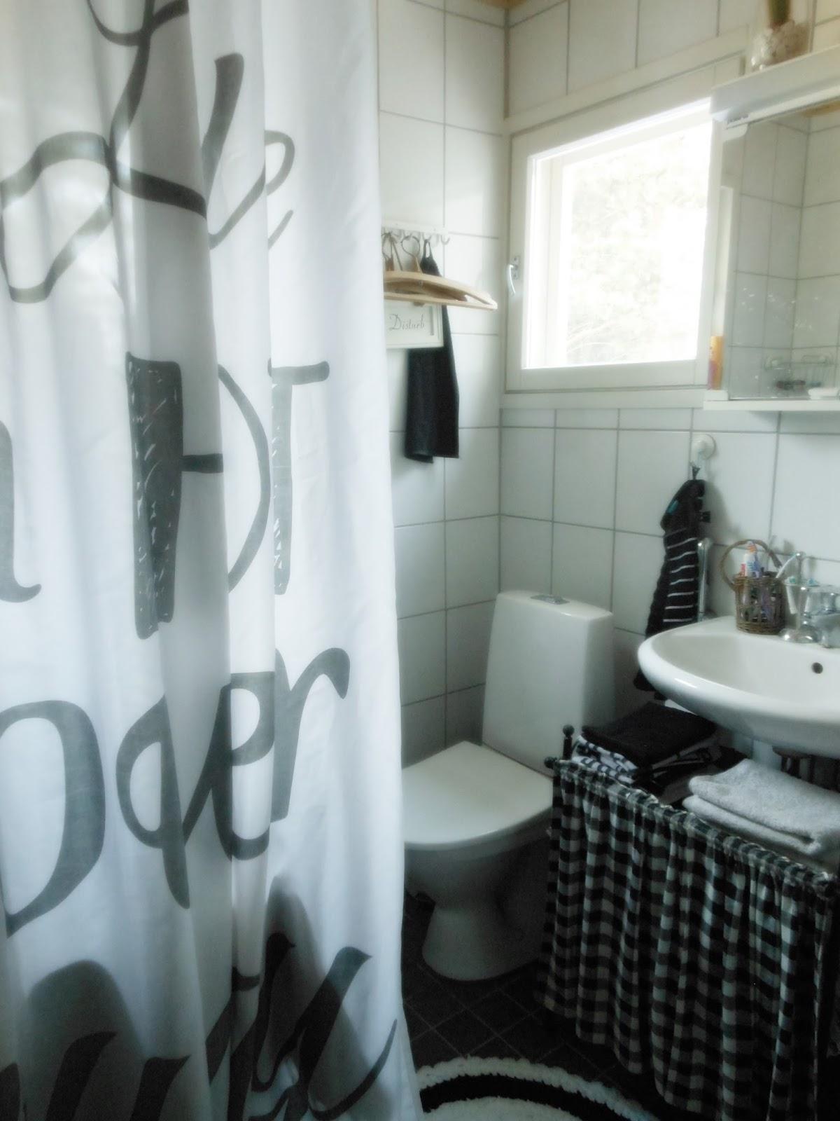 Livingroom: hälsningar från badrummet