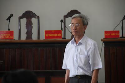 Dam-o-voi-tre-em-Nguyen-Khac-Thuy-lanh-an-3-nam-tu-giam-dam-o-3-1510928634-108-width540height360
