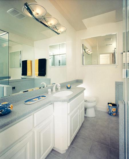 Elegant Bathroom Remodels: Elegant White Bathroom Remodel Decoration
