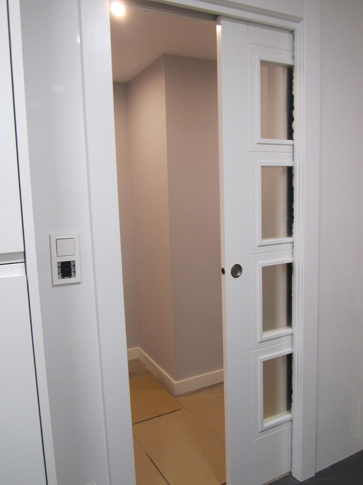 Puertas lozano venta puertas lacadas blancas puerta for Puertas correderas plegables ikea