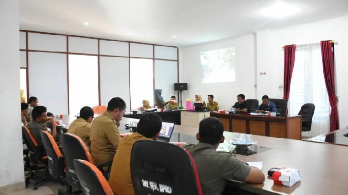 Rapat Kerja, Komisi III DPRD Sinjai Bahas Penataan Pasar