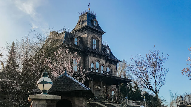 how to see disneyland paris in one day- phantom manor ride