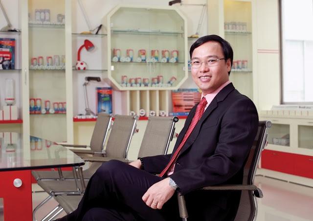 Hai anh em ruột sở hữu Nhựa Rạng Đông và Bóng đèn Điện Quang